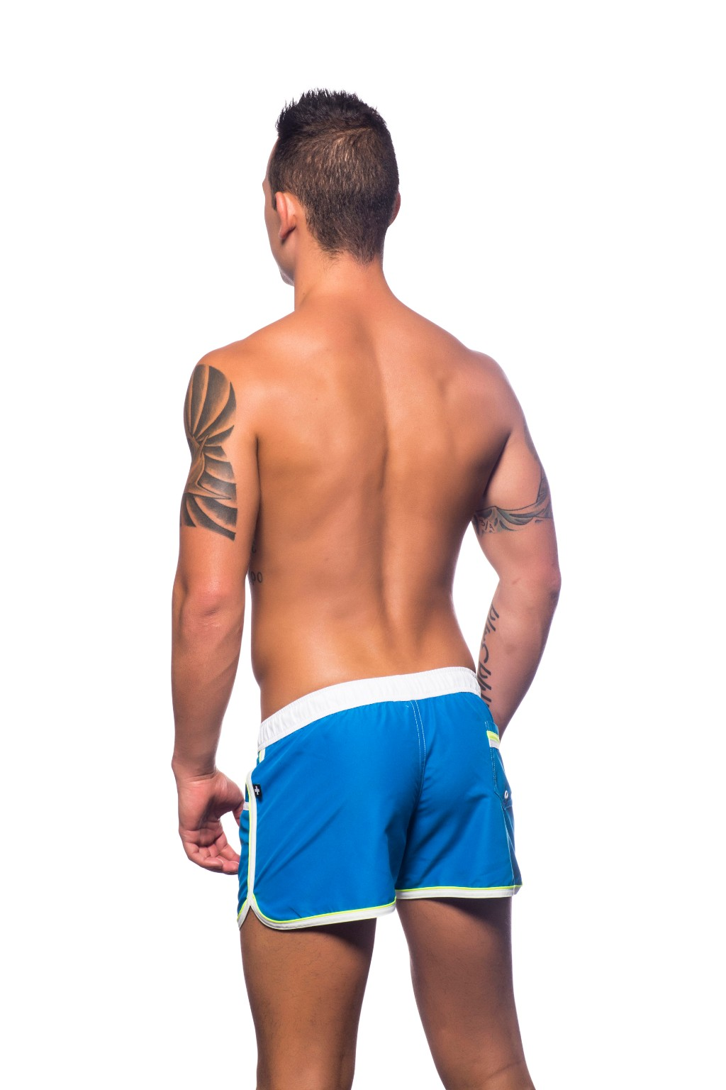 andrew-christian-sortkove-plavky-crest-swim-shorts-electric-blue2